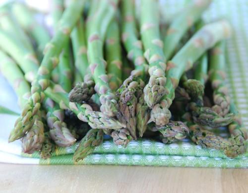 fresh farmers' market asparagus