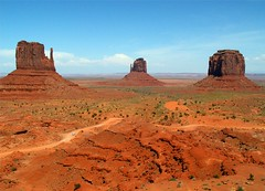 Glorious Monument Valley (Stanley Zimny) Tags: park red southwest utah rocks monumentvalley nationalparks soe mittens naturesfinest colorphotoaward irresistiblebeauty goldstaraward