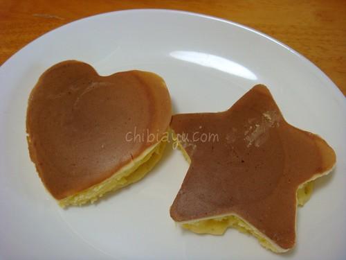 ハート型と星型のパンケーキ