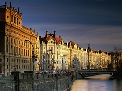 Vltava River Prague (kruhme) Tags: wallpaper rio river town pc european foto czech prague country praha praga republik countries worlds worldmap fluss casas fondo vltava imagen orilla fondodeescritorio calidad 1024x768 hintergrundbilder chequia vitava bej golddragon mywinners abigfave platinumphoto tschechiserepublik goldstaraward goldenheartaward tschechise