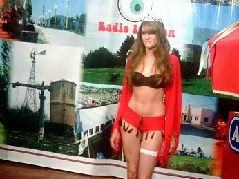Ayelen Beltramino, modelo hernandense, que estará sobre la pasarela de Tancacha
