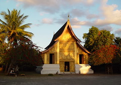 Temples Luang Prabang (Mekong Cruises Pictures) Tags: travel cruise asia asians tour culture laos mekong cultural ecotourism
