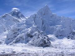 Everest Wears a Halo (craigkass) Tags: nepal mountains searchthebest himalaya everest frío kala nuptse pattar hieloynieve