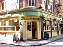 King's Stores, Bishopsgate, E1 (Ewan-M) Tags: england london broadgate e1 spitalfields liverpoolstreet bishopsgate cityoflondon greenekingpub widegatestreet thekingsstores kingsstores