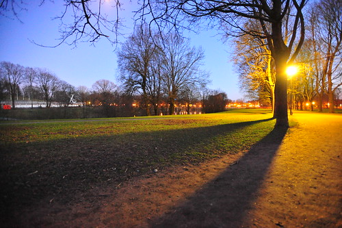 Frognerparken by night