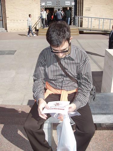 leyendo a Supermaño