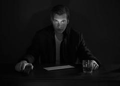 Strobist: Lighting 102: 4.2 -- Film Noir Discussion