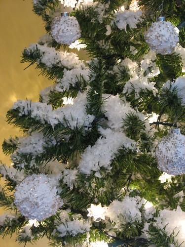 snow and snow balls