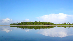 Its like a photo, but it moves! (muha...) Tags: morning reflection green island video peace lagoon calm traveling wakeup maldives mv inmotion flatwater muha flickrvideo myowncreation abigfave videoawards muhaphotoscom diamondclassphotographer noonuatoll longphotograph 09april2008