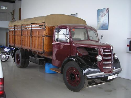 camió Bedford de l'empresa TRANSPORTS ARGELICH de Mollerussa (Lleida)