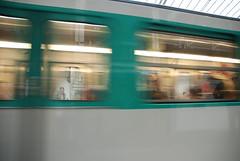 Mtro - 22 (Stephy's In Paris) Tags: paris france underground subway nikon metro mtro francia stephy mtroparisien mtropolitain d80 nikond80 mtrodeparis stephyinparis