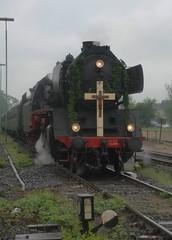 Pilgerzug zur Abstellung in Goch (Schupperscout) Tags: steam lower 50 rhine pilger pilgrim niederrhein 3655 dampf sonderzug 503655 eisenbahntradition