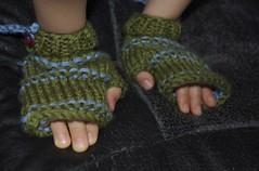 honor's fingerless mittens