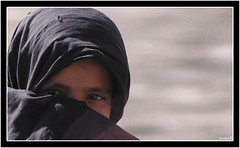 L'Afghane (Laurent.Rappa) Tags: voyage unicef travel portrait people afghanistan face children child retrato hijab afghan laurentr enfant ritratti ritratto regard peuple supershot abigfave diamondclassphotographer megashot diamondclassphotographe laurentrappa