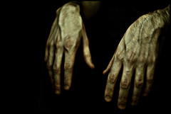 (ARTeTT) Tags: hands fingers mani canonef50mmf18 blackground rod cinquantino nobackground kubrickslook