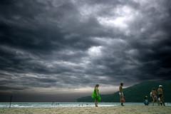 No day at the beach (kenyai) Tags: ocean brazil beach brasil paraty 16mm spiaggia brasile tempesta trindade canonefs1022mmf3545usm interestingness13 canon30d i500 eidem nickeidemmettilotuperchnonsoqualevuoiscegliere