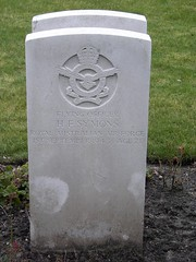 0262 Symons H.F. (golli43) Tags: berlin cemetery germany memorial soldiers westend charlottenburg wargraves secondworldwar britishsoldiers australiansoldiers heerstrasse alliedsoldiers