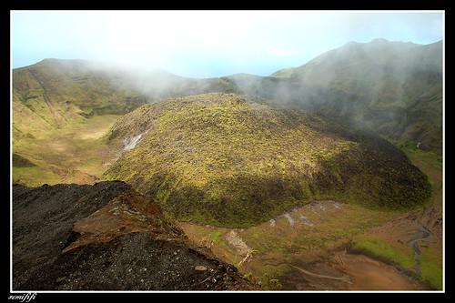 La Soufriere 火山口