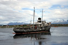 Low tide in Ushuaia (Heaven`s Gate (John)) Tags: ocean sea seascape water argentina landscape tierradelfuego ushuaia boat ship tide low antarctica ushuia johndalkin heavensgatejohn