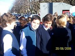 2006.06 Norman y yo en el acto de jura de la bandera (daniescobedo) Tags: un todo emi poco