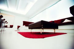 lounge (revival) (frischmilch) Tags: red white architecture relax deutschland design room lounge afterwork couch agency nrw form 16mm interiordesign f28 redandwhite chillout antwerpes doccheck iso250 kln roomdesign 125s