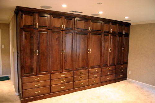 Picture of the wardrobe/entertainment center in the same room