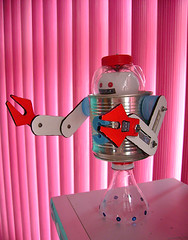 sammybot (Dolmen Arte) Tags: toy robot space craft juguete reciclaje recycledcraft ecoarte recycledtoy