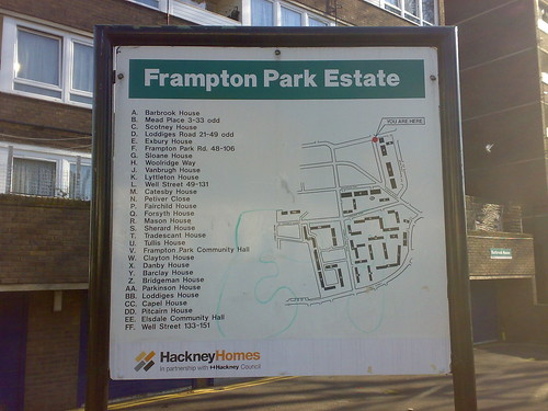 Frampton Park Estate by sf2london