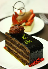 Kinda hungry after screaming (yewco) Tags: cake cafe strawberry chocolate macau macao bungyjump macautower ciocolata
