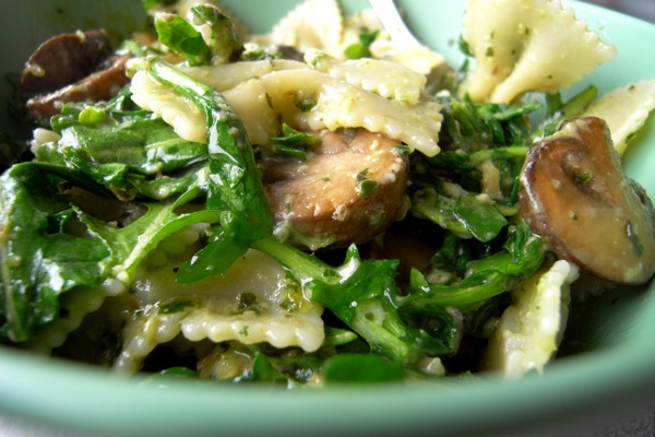 pasta with walnut pesto and arugula