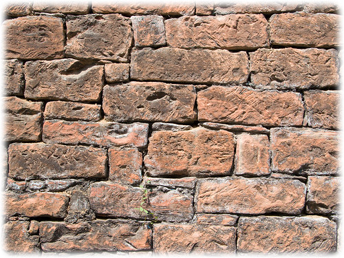 Red Brick Wall (Wallpaper)