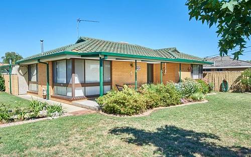 55 Geneva Crescent, Lake Albert NSW