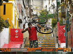 Claudio (ccarriconde) Tags: brasil riodejaneiro cd bicicleta ccarriconde cristinacarriconde sushisamba azulejos lapa escadaria selaron brasilpeople copyright©cristinacarricondeallrightsreserved jorgeselarón ©cristinacarriconde encartecd bicicletaamarela sugarcanemusicvolume1 sugarcanemusicvol1
