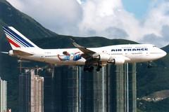 Air France   Boeing 747-400   F-GEXA   World Cup livery   Hong Kong International (Dennis HKG) Tags: plane airplane hongkong airport aircraft boeing af boeing747 hkg 747 airfrance 747400 planespotting boeing747400 cheklapkok afr 25l skyteam vhhh fgexa