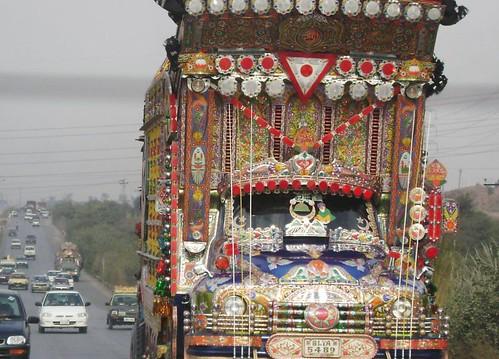 Trucks als deze zorgen wel voor meer aandacht van de overige weggebruikers