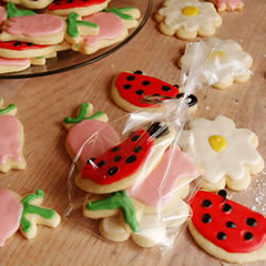 summer cookies (nikkicookiebaker) Tags: cookies daisies tulips daisy ladybugs decorated