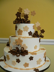 Fun Flowers (Edible Art) Tags: brown tan fondantflowers stackedcake weddinccake