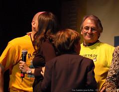 Les organisateurs, remercis par Astrid Btancourt (marie_astier) Tags: famille paris ingrid accord concert novembre lumiere 2007 zenith paix humanitaire betancourt discours