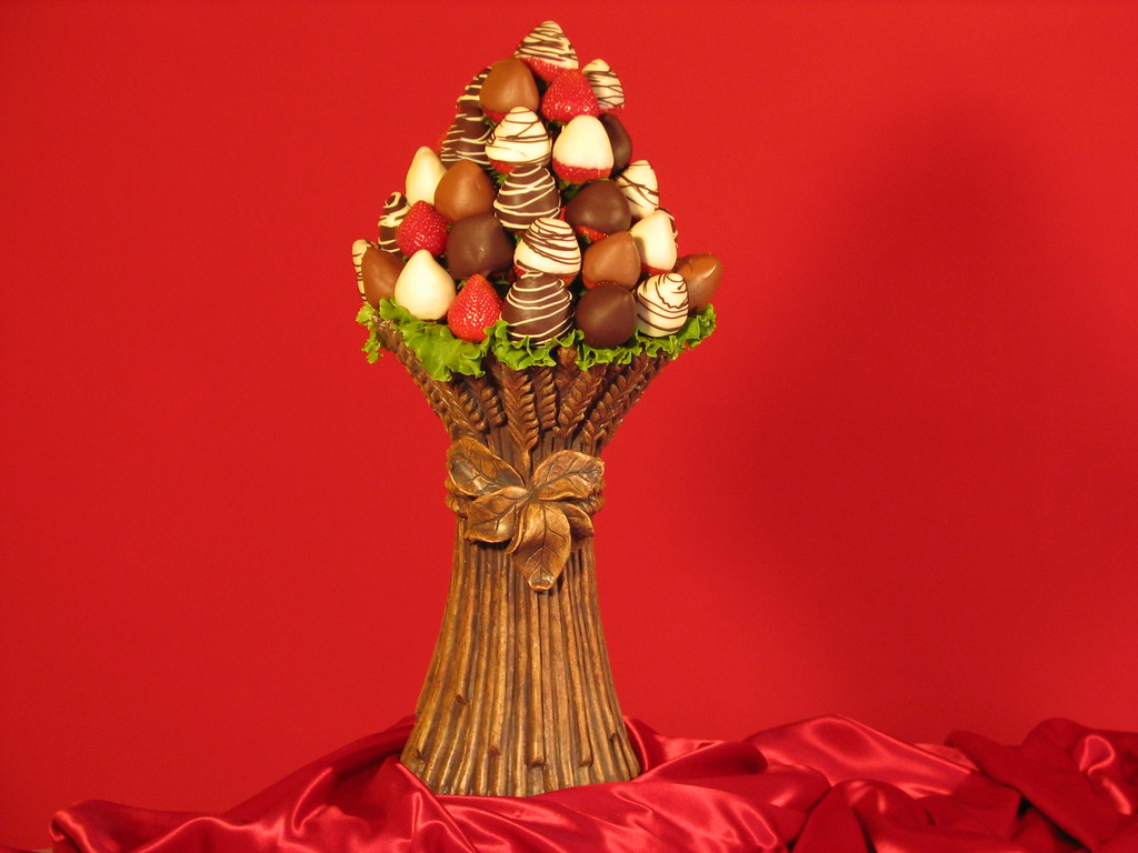 Choco Berry Bouquet : Chocolate Covered Strawberries