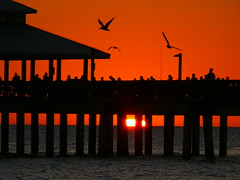 Sorry one other Sunset.... (rolfspicture) Tags: sunset people usa beach birds mexico pier gulf florida fort myers encarnado diamondclassphotographer flickrdiamond naturessilhouettes