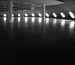 Olhos da Oca (Eli K Hayasaka) Tags: brazil blackandwhite bw monochrome niemeyer arquitetura brasil architecture blackwhite nikon fb sopaulo monochromatic pb sampa brazilian ibirapuera pretoebranco facebook brancoepreto oscarniemeyer monocromtico arquiteturabrasileira brazilianarchitecture duetos hayasaka elikhayasaka