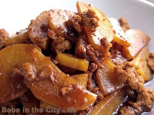 Potatoes Mince Meat in Mien Si Sauce
