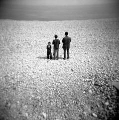 holga (lala) 3 men in the land