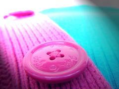 button (dcfups) Tags: lighting pink blue light macro green effects gap sew turquiose finepix button fujifilm stich fd z20 diamondclassphotographer flickrdiamond