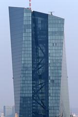 ECB European Central Bank (201m) by Coop Himmelb(l)au (bcmng) Tags: frankfurt frankfurtskyline frankfurtcathedral frankfurtrömer winxriversidetower frankfurtmain ecbfrankfurt skyscraper frankfurthighrise highrise paulskirche commerzbank henningerturm myzeilfrankfurt massimilianofuksas kspjürgenengel christophmäckler normanfostercommerzbank