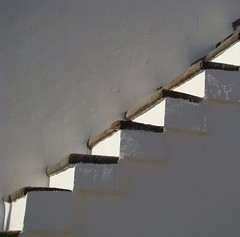Steps........... (ubichan - Away A LOT :o() Tags: light sunlight white abstract portugal shadows sony steps monsaraz alentejo sonydsch9 ubichan atouchofmagic mygearandme mygearandmepremium mygearandmebronze mygearandmesilver mygearandmegold flickrshutterspace artphotographerssalon mgam6 mgamp9 netcityart mgams10 colorescapeneutralschemestanbeigesepiaetc tirefotosdeixeapenaspegadas contact