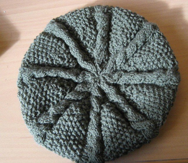 Beret Knitting Pattern Easy : Skeins and Steins: Knitting Patterns