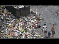 jakarta dan sampah (pikisugianto) Tags: jakarta sampah