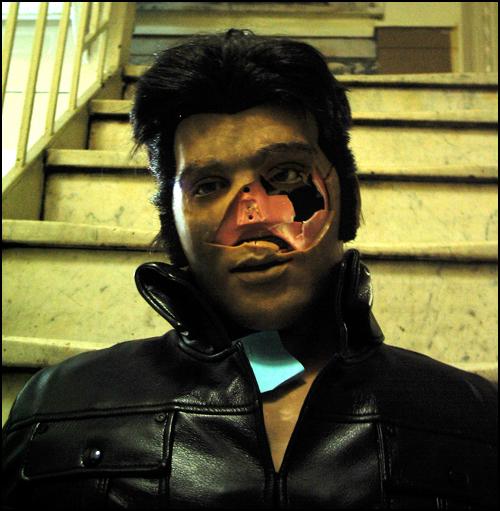 Zombie Elvis Karaoke-bot 2