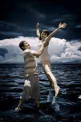 hurayyy.......i'm happy with u (yoga - photowork) Tags: ir photography infrared prewedding trasognoerealta